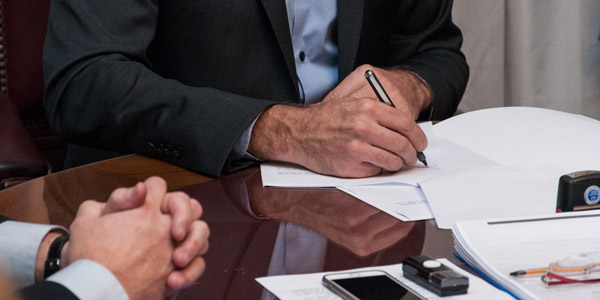 CONVENIO SALARIALCierran paritarias semestrales: acuerdo del 23,5% hasta octubre
