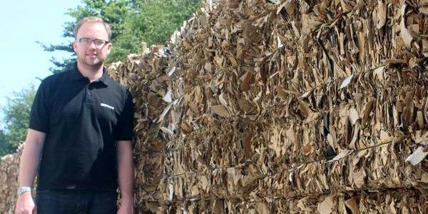 MAQUINARIAPrensas HSM: Apoyo fiable a la producción y eliminación automática de residuos de embalajes
