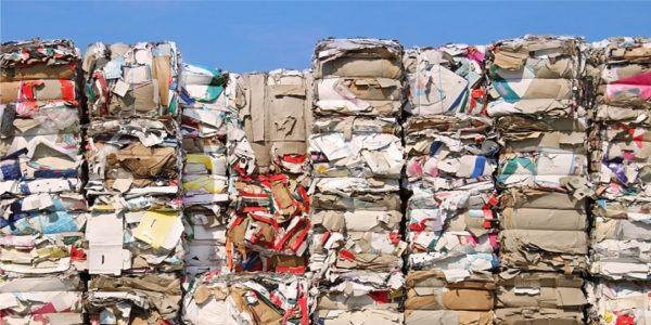 Recorte de papel: El gobierno nacional actualizó la normativa sobre residuos peligrosos